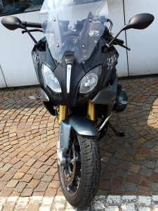 R1200RS front