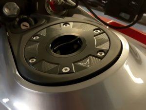 KTM tappo Racefoxx montato